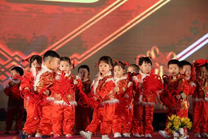 Cina bambini figli